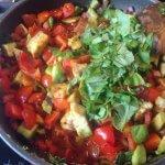 Tomate-Avocado-Pfanne